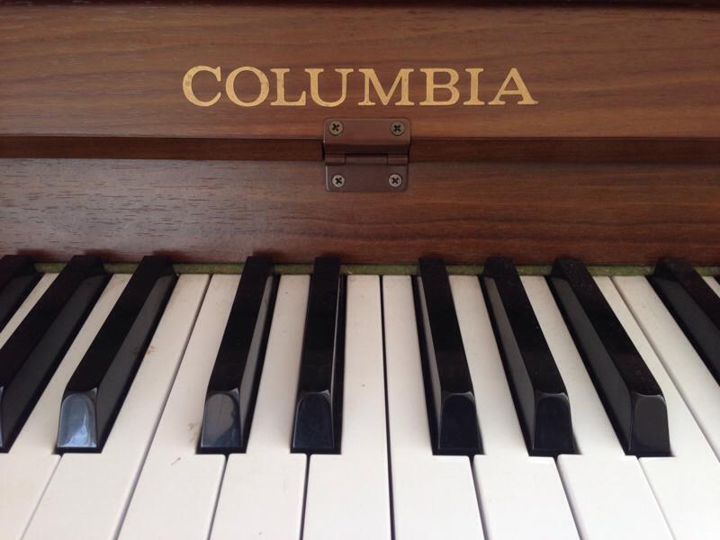 昔の「電子ピアノ」コロンビア社製 ELEPIANでリトミックを行う